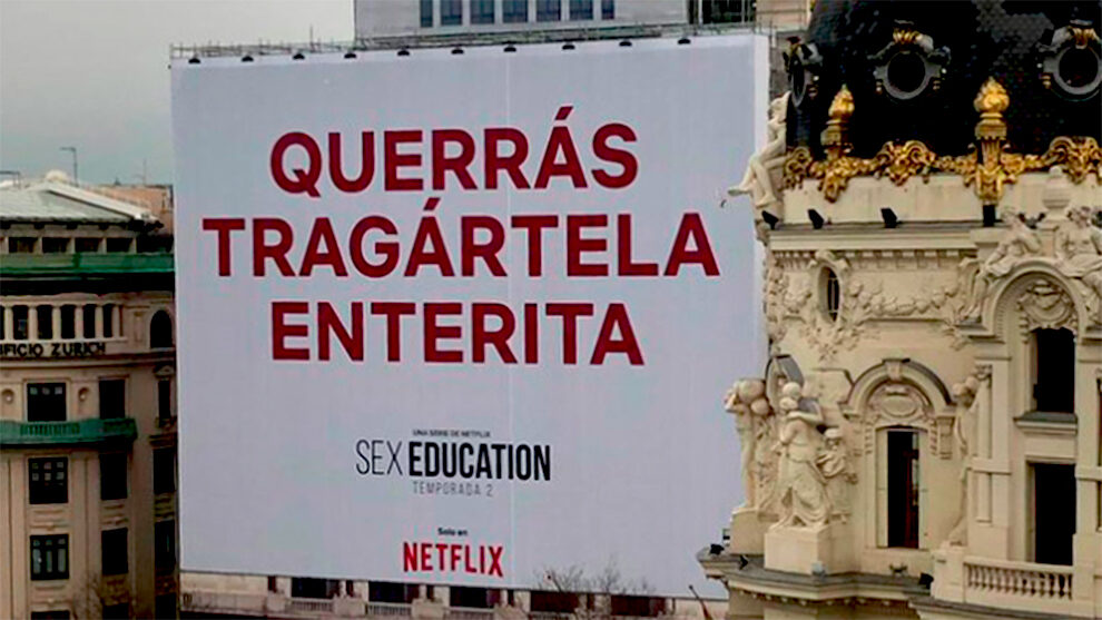 La publicidad exterior de Laporta en Madrid: ¿provocación o genialidad?  - Lona de Netflix en el Círculo de Bellas Artes de Madrid
